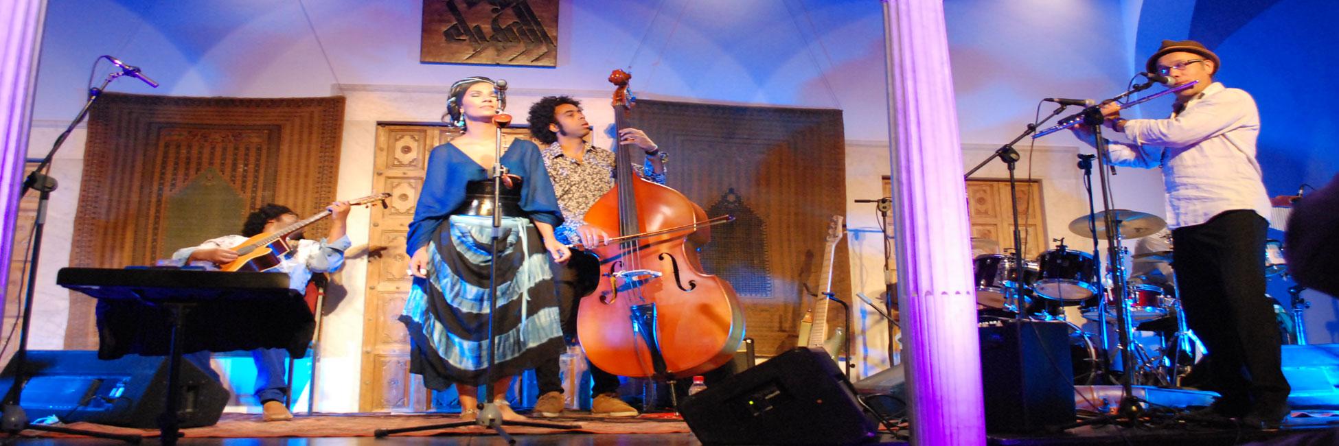 Oum - Chants sahraouis, groove jazz et soul